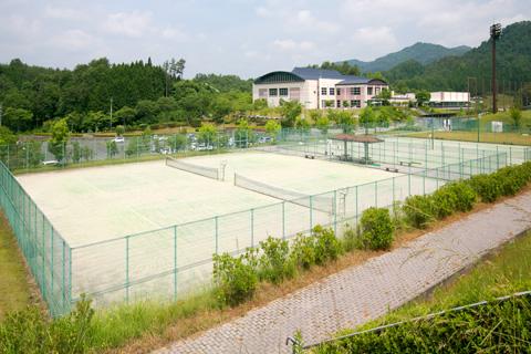 テニスコート全景